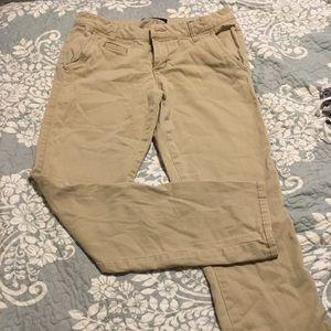 Aeropostale skinny twill pant short size 4.  Khaki